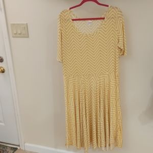 Size 3XL Yellow LulaRoe Nicole dress